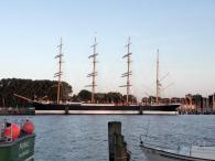 Travemünde: Die Passat, ein legendärer Viermaster aus dem Jahre 1911, der als Frachtschiff neununddreißigmal Kap Hoorn umsegelte und zweimal die Erde umrundete