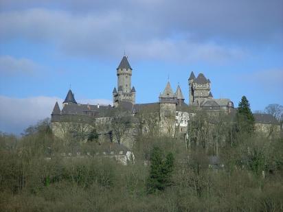 Schloss Braunfels von Süden gesehen (Foto: Rainer Lippert   http://commons.wikimedia.org   Lizenz: CC BY-SA 3.0 DE)
