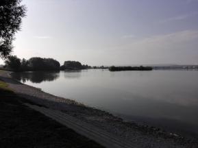 Noch ist der See leer