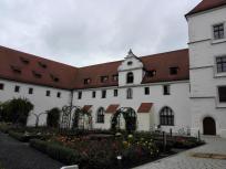 Das ehemalige kurfürstliche Palais neben der Brille