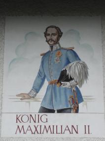 Motiv von König Maximilian von Bayern auf einem Wohnhaus in der Nähe der König-Max-Höhe
