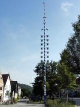 Maibaum am Marktplatz von Kallmünz