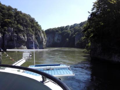 Wir steuern auf den Donaudurchbruch zu