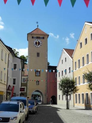 Das Donautor von der Stadtseite aus gesehen