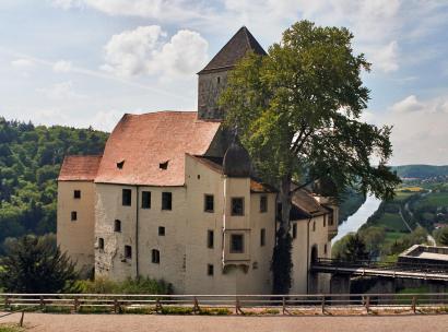 Burg Prunn von der Bergseite gesehen