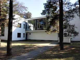 Beim Bauhaus in Dessau