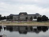Das Japanische Palais mit dem Museum für Früh- und Urgeschichte