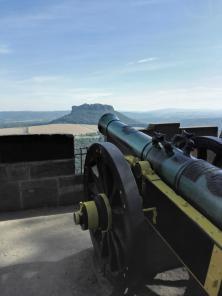 Diese Kanone zielt in Richtung Lilienstein