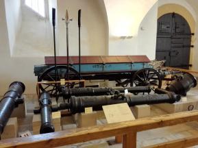 Lafette mit Kanonen