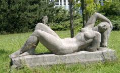 Skulptur in der Karl-Mothers-Straße (Foto: Ralf Lotys   http://commons.wikimedia.org   Lizenz: CC BY-SA 3.0 DE)
