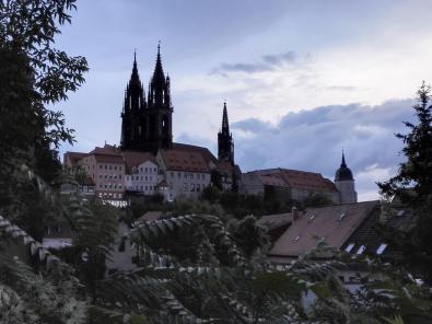 Der Schlossberg von der Seite gesehen