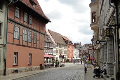 Altstadtgasse (Foto: Leon petrosyan   http://commons.wikimedia.org   Lizenz: CC BY-SA 3.0 DE)