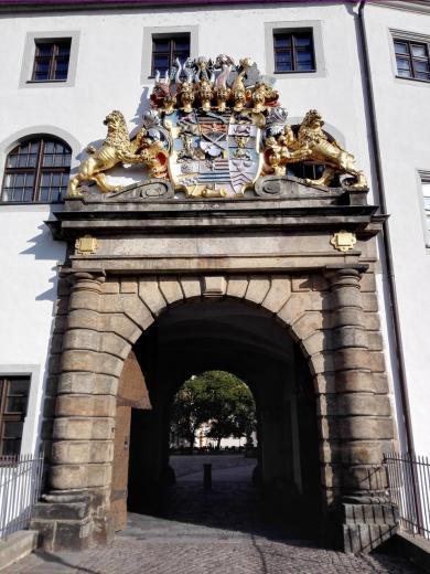 Schlossportal an der Torbrücke