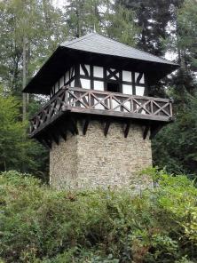 Rekonstruierter Römer-Wachtturm am Limes