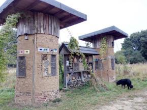 Insektenhotel am Haus Wildenrath