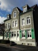 """Typisches """"Schieferhaus"""" im alten Ortskern von Beyenburg"""