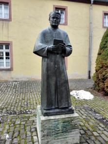 Statue des Ordensgründers Franziskus Jordan