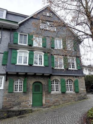 Schieferverkleidetes Haus in der Altstadt
