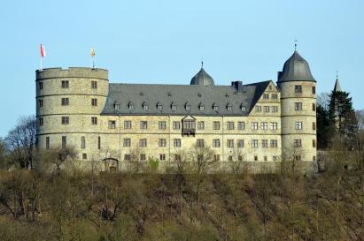 Seitenansicht der Wewelsburg aus dem Tal der Alme