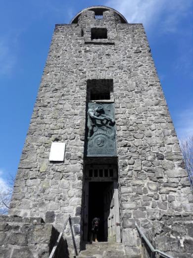 Doxi will auch rauf auf den Turm