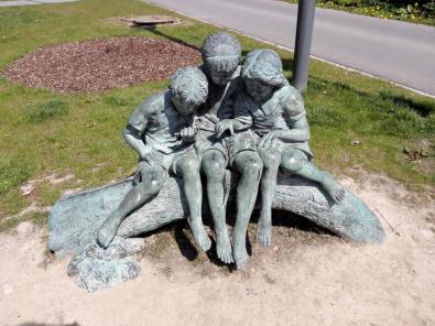 Skulptur am Kirchplatz