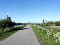 Auf gut ausgebauten Fahrrad- und Wanderwegen erreicht man die Mühlen
