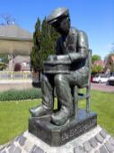 Skulptur in Papendrecht auf der anderen Flussseite gegenüber von Dordrecht