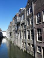 Alte Speicherhäuser am Kanal