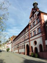 Das Rathaus im ehemaligen kirchlichen Spital