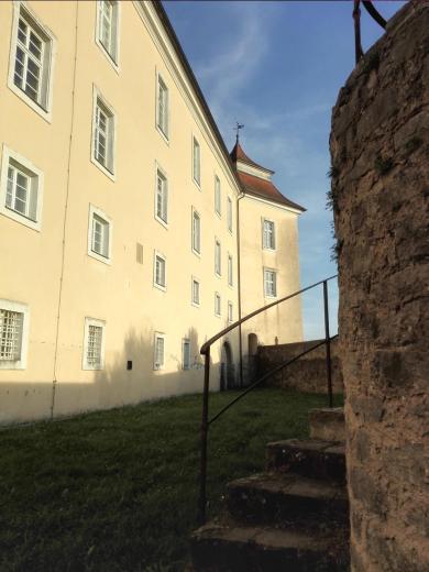 Seitenflügel des Schlosses