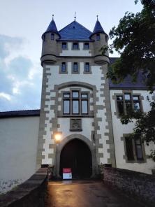 Zufahrt zur Götzenburg