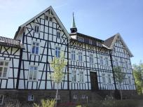 Schmucke Fassade des Altenheims