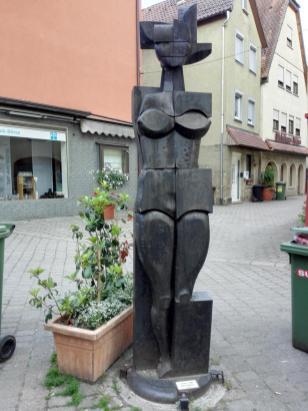 Moderne Kunst in der Haupteinkaufstraße
