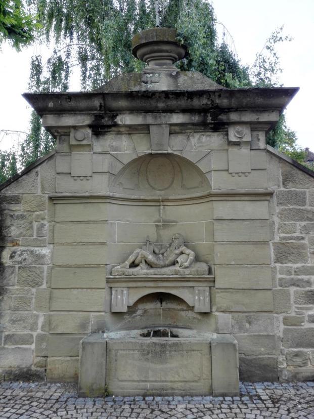 Brunnen gegenüber dem Amtsgericht