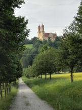 Blick von der Schlossallee hinüber zum Schöneberg