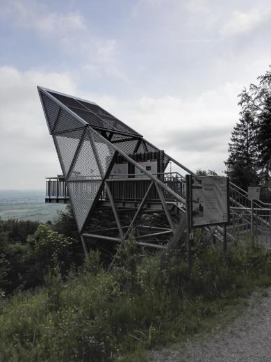 Aussichtspunkt über die Hohenloher Ebene am Limes-Turm