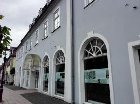 Das Gebäude des Internationalen Suchdienstes vom Roten Kreuz