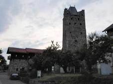 Reste der Stadtmauer mit Wehrturm