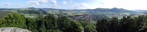 Panoramablick vom Schreckenbergturm in das Warmetal