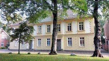 Häuser am Kirchplatz rund um die Lambertikirche