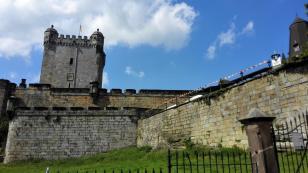 Von starken Mauern umgeben: Der Pulverturm