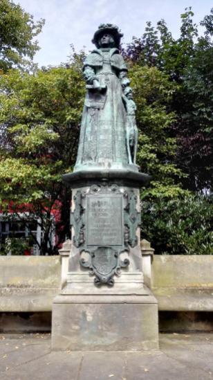 Fräulein-Maria-Denkmal in der Nähe des Schlosses zu Jever