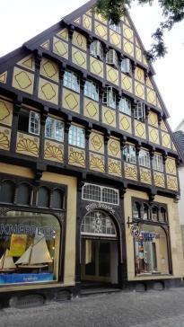 Das Degodehaus von 1502, eines der wenigen Häuser, die den großen Stadtbrand von 1676 überstanden