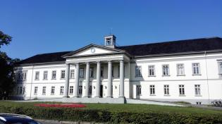 Peter Friedrich Ludwigs Hospital von 1841 – heute Kulturzentrum und Zentrale der Stadtbibliothek