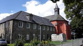 Ehemaliges Kloster mit Kirche St. Antonius auf dem Klosterberg