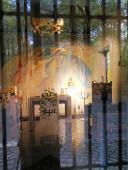 Kapelle mit kleinem Kreuzgang in der Lochterheide
