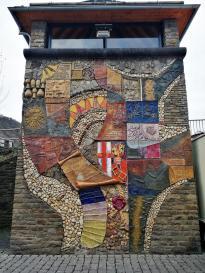 Reliefwand von Carlfritz Nicolay an der Moselbrücke