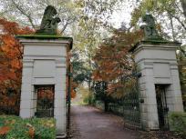 Einfahrt zum Schloss Türnich