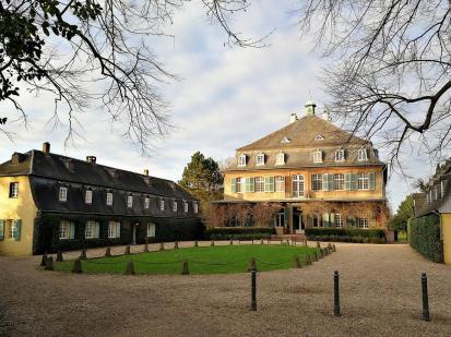 Schloss Eicherhof nördlich von Leichlingen
