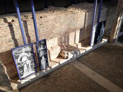 Bilder und Skultpturen aus früheren Zeiten in der Orangerie